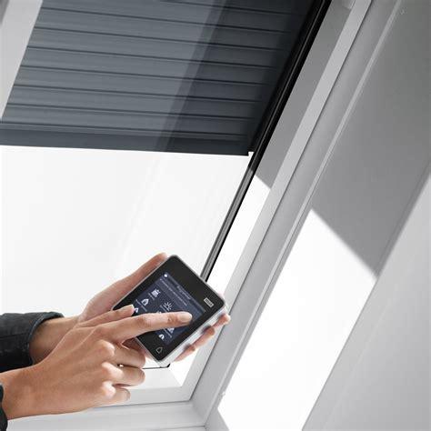 Velux Dachfenster Rolladen Elektrisch by Velux Dachfenster Rolladen Ihr Rundum Schutz F 252 Rs Ganze Jahr