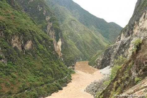 rugged scenery rugged scenery at the tiger leaping gorge 虎跳峡