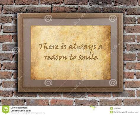 sorridere sempre testo c 232 sempre una ragione di sorridere immagine stock libera