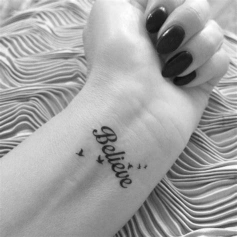 henna tattoo geht nicht mehr weg handgelenk innen schrift believe voegel