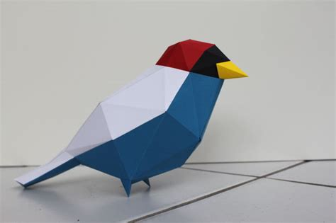Papercraft Bird - papercraft low poly bird