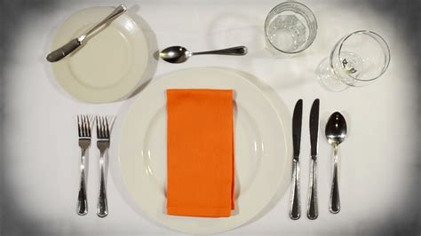 how do you set a table for a formal dinner how to set the table post