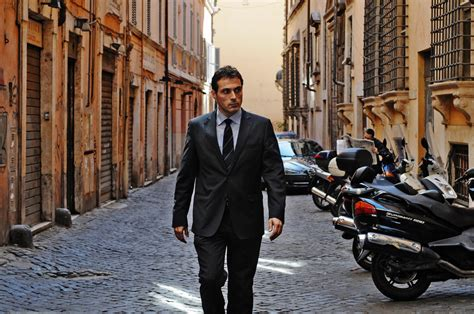 rufus sewell new series rufus sewell as italian detective on masterpiece mystery