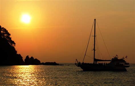 sunset catamaran cruise ibiza fiesta en catamaran tossa girona pack catamaran sunset