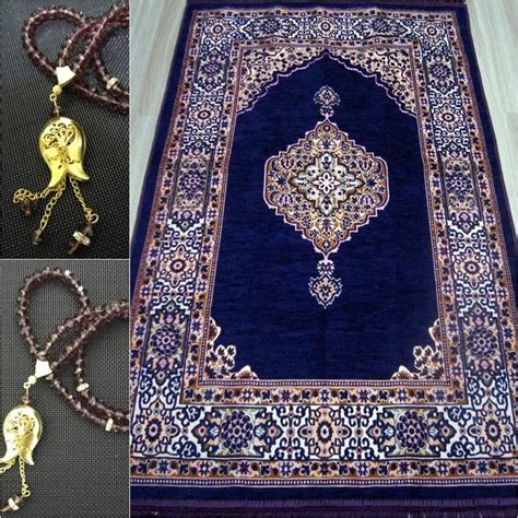 prayer rugs islam 12 best prayer mat images on prayer rug carpet and islamic prayer