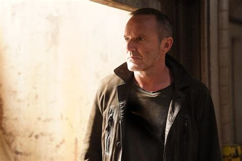 marvel film where phil coulson died clark gregg confirmed to return as phil coulson in