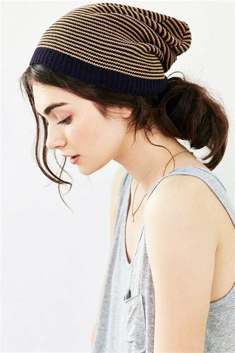 Hairstyles For Hats At Work by 7 Styles That Work With Beanies Because Hat Hair Byrdie Uk