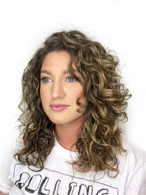 hair styles for a type 2 type 2b curly hairstyles best curly hair 2017