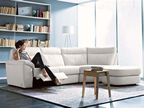 divani angolari piccoli idee salvaspazio divano angolare per piccoli spazi