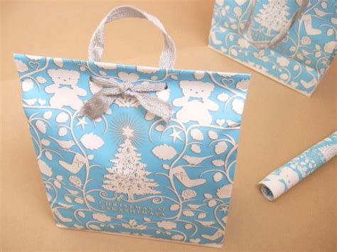 How To Make Bag Out Of Wrapping Paper - how to make a bag out of wrapping paper