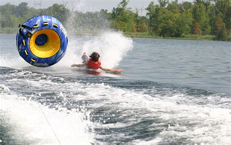 speed boat wipeout 12 things anyone with a lake house can relate to odyssey