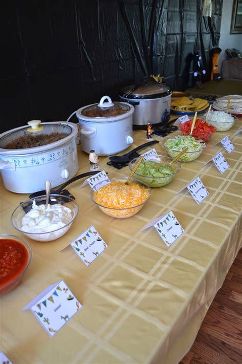how to keep food on a buffet table diy taco bar table tents free printables