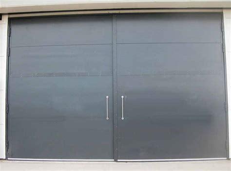 Fire Resistant Pivot Hinged Clark Door