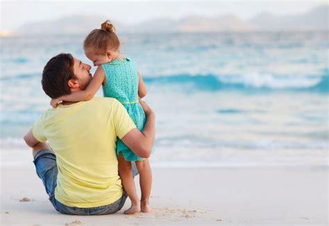 Ayah Adalah Cinta Pertamaku ayah juga penting bukan berarti aku tak mengutamakan ibu