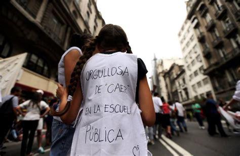 """""""Este Gobierno se ha desentendido de la escuela pública ... Caer En La Escuela Publica"""
