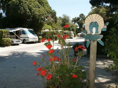 by the river rv park cground guestrated com carmel by the river rv park information