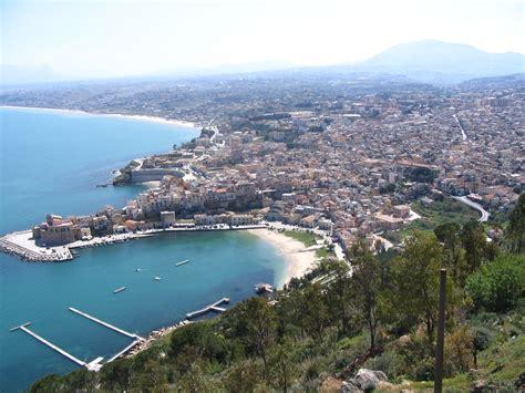 Desktop Pen Holder file castellammare del golfo sicilia jpg wikimedia commons