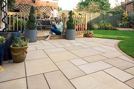 Paving Ideas For Small Gardens Attractive Garden Paving Ideas Paving Garden Ideas Gardensdecor