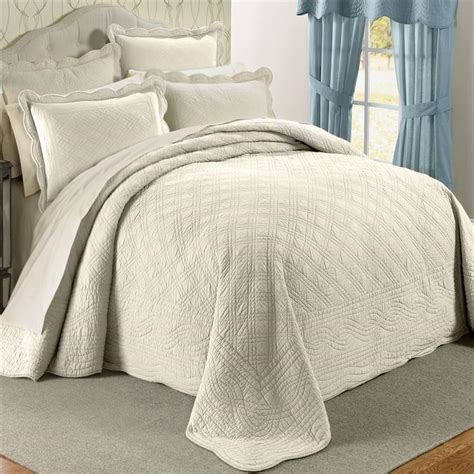 off white 100 cotton scalloped textured bedspread king