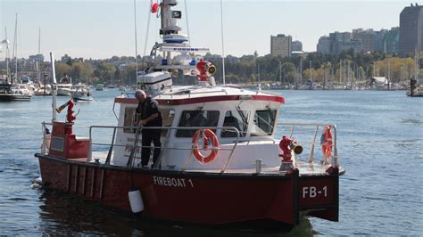 vancouver fire and rescue christens new boat news 1130 - Vancouver Fire Boat 2