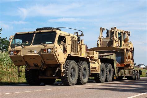 and oshkosh oshkosh hemtt m983 a4 let light equipment transporter