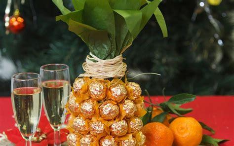 Decorating Wine Bottles Creative Gift Wrap Ideas Wine Bottle Looks Like Pineapple