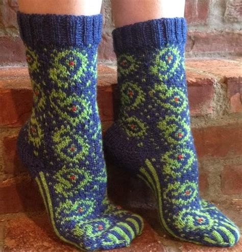 paisley pattern socks for the love of paisley socks knitting patterns and