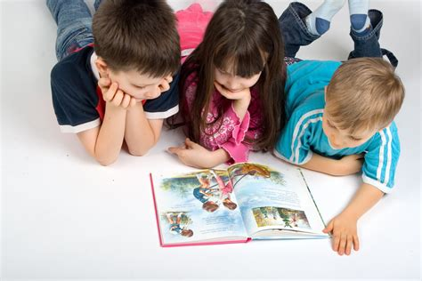 picture of children reading books building up interest in learning in your elementary age