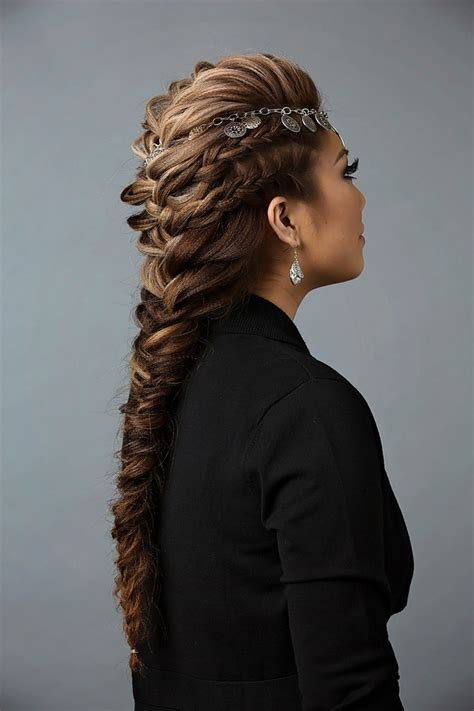 using twist in mohican day to night hairstyle mohawk braid into fishtail bun