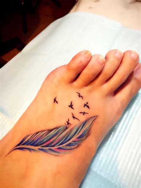 tattoos de plumas los bonitos tatuajes de plumas con mucho significado