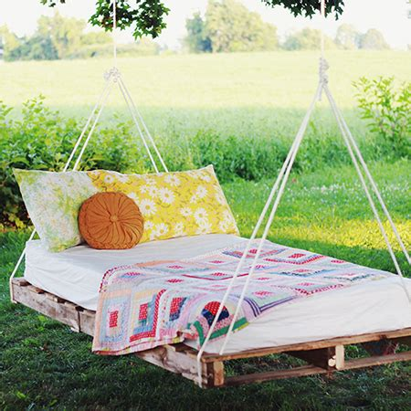 hanging pallet bed home dzine craft ideas make a garden swing bed from