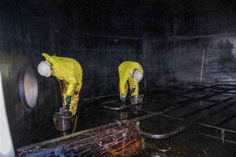 industrial oil tank cleaning dp fuel tank services
