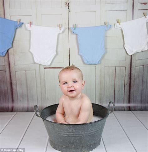 Huge Bathtub Parents Are Having Smash And Splash Parties For Babies