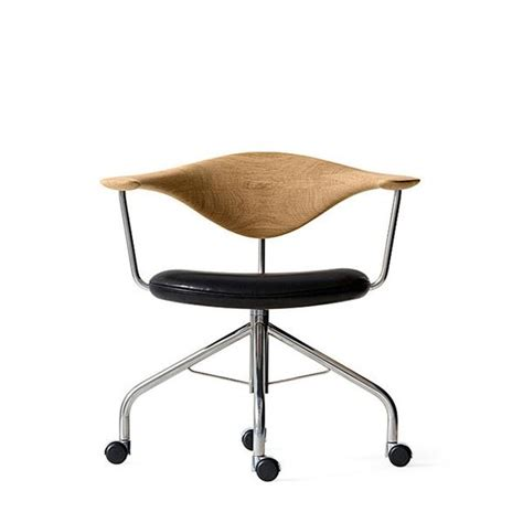 Pp M 248 Bler Wegner Swivel Chair By Hans Wegner Danish Hans Wegner Swivel Chair