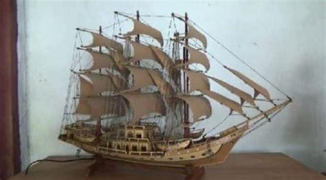 membuat kerajinan perahu miniatur kapal perang buatan purwakarta dilirik dunia