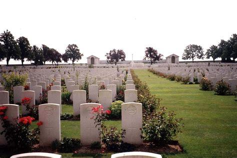 serre no 2 cemetery hurst war memorial picture serre road cemetery no 2