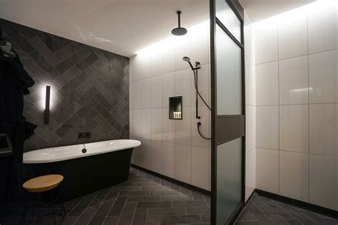 qt melbourne review  citys stand  hotel hey gents