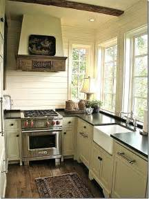 Small Cottage Kitchen Designs 17 Best Ideas About Small Country Kitchens On Country Kitchen Shelves Country