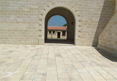 pavimenti pietra leccese pavimenti pietra leccese carparo per interni ed esterni