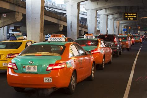 better taxi why i like taxis better than uber teitel toronto