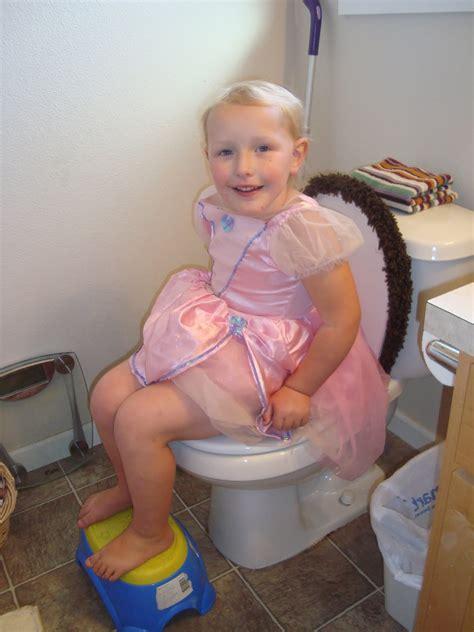 little girl potty training boys kas gi yra naktinis šlapimo nelaikymas enurezė