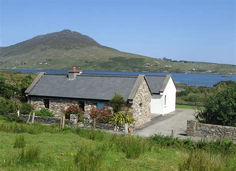 ireland self catering cottages self catering cottage ireland ireland photos of cottages redroofinnmelvindale