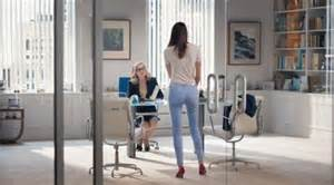 old navy commercial actress pants who is the woman with the perfect butt in the old navy