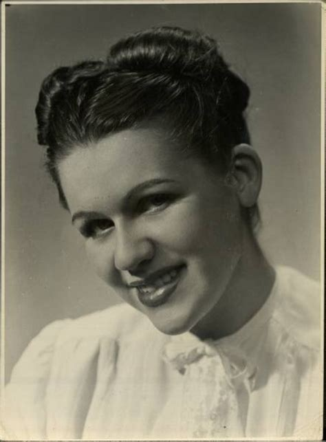 hairstyles for women in early 40s 64 best images about 1940 s hair on pinterest 40s
