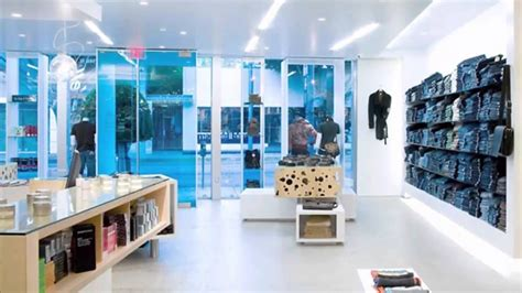 Cloth Shop Interior Design by Clothing Boutique Interior Design Ideas Www Pixshark