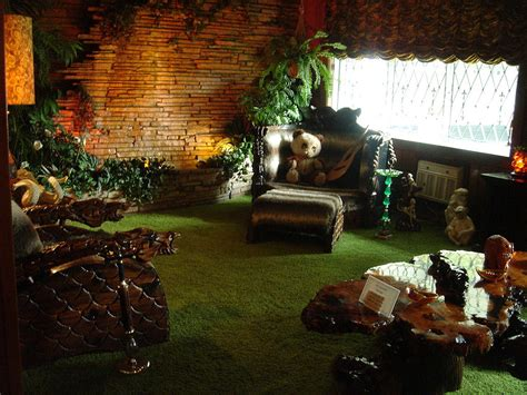 rainforest bedroom file gracelandjungleroom jpg wikimedia commons