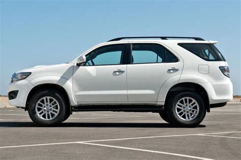 7 Places To Get A For 30 by Fortuner Turbo Di 233 Sel 3 0l 7 Places Volant 224 Gauche