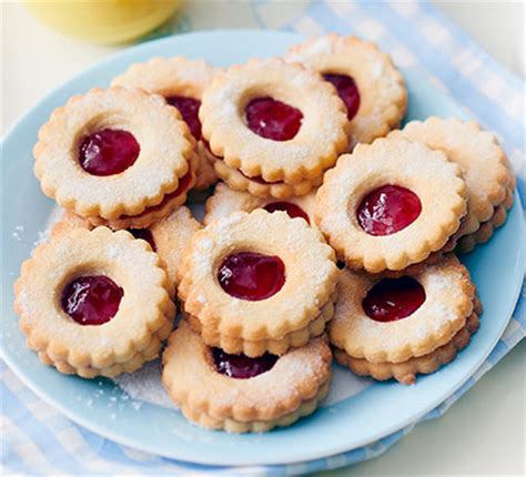 Flowers For Mother S Day Jammy Dodger Flowers Recipe Bbc Good Food