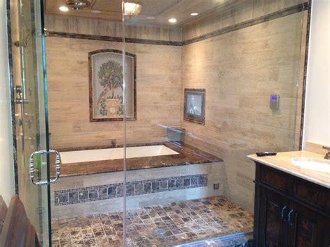 enclosed bathtubs best 25 in shower tvs ideas on pinterest shower tvs