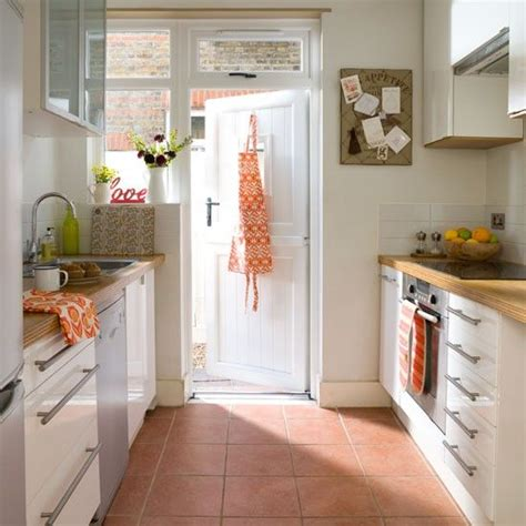 terracotta bathroom floor tiles 25 best terracotta floor ideas on pinterest
